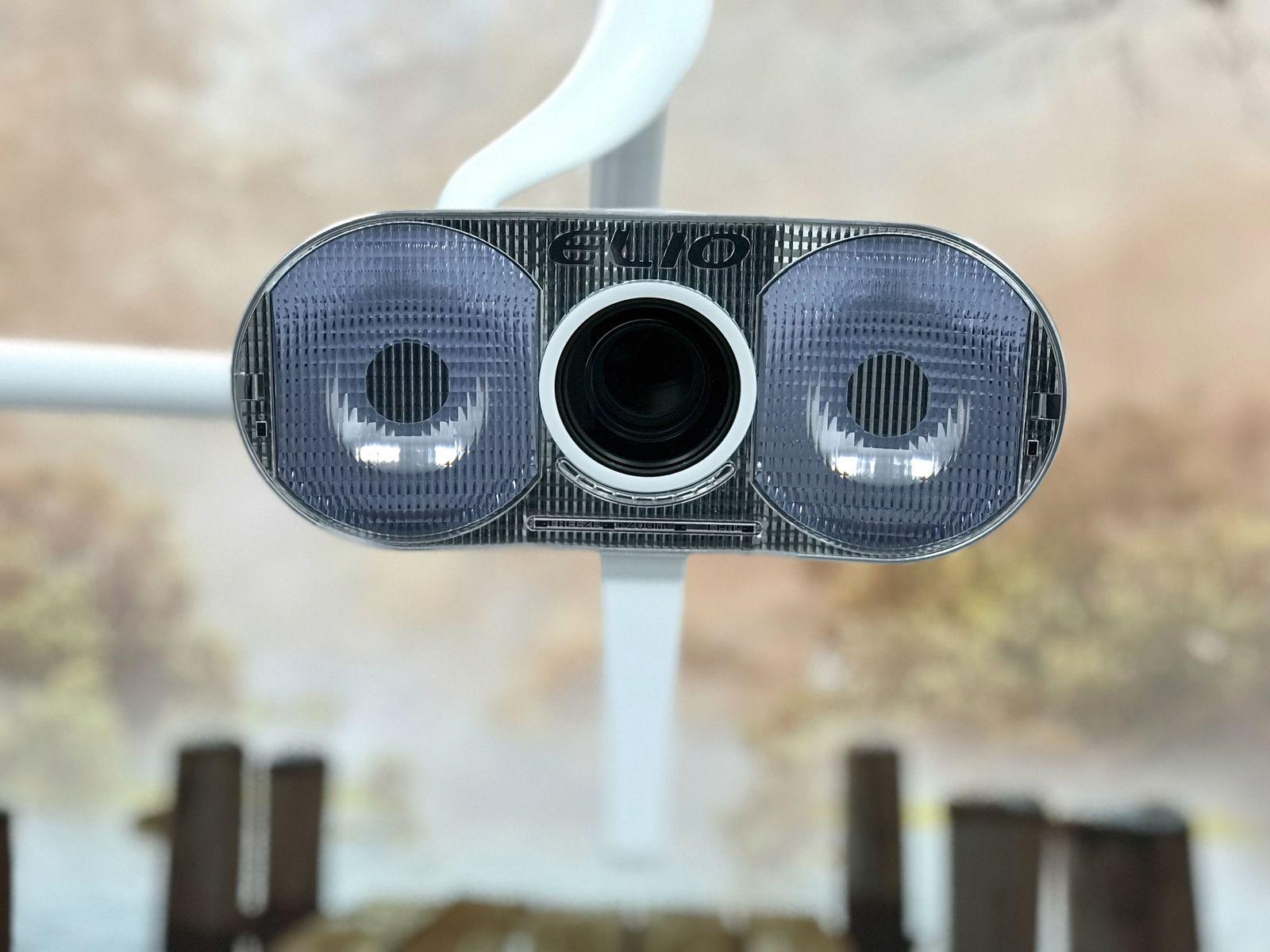 Estrenamos un nuevo gabinete con la exclusiva lámpara cenital ELIO HD